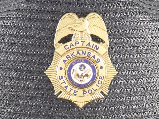 Arkansas State Police Captains hat badge